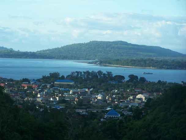 Salah satu sudut kota Bau Bau terlihat dari benteng yang terletak di ketinggian.